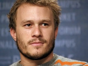 Heath Ledger, foto de Howie Berlin, bajo Licencia Creative Commons